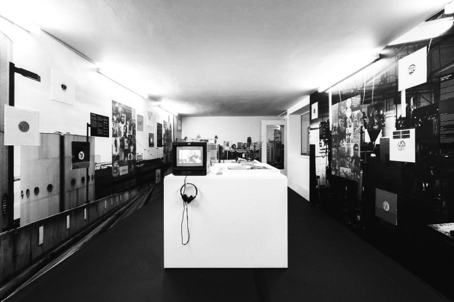 Mark Blower, installation view 装置